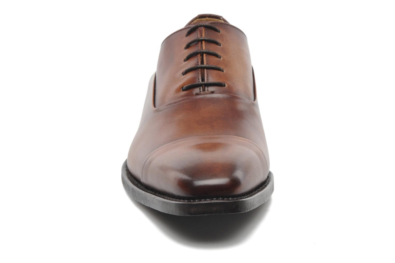 Snörade skor Marvin&Co Luxe Weloofu - Cousu Goodyear Brun bild av skorna på