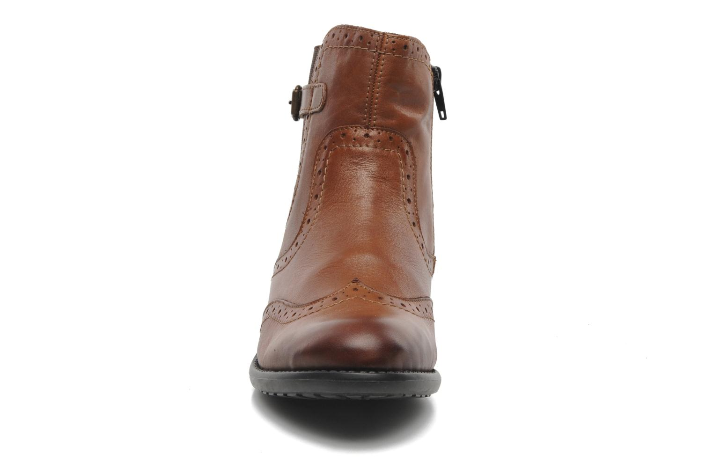 Boots en enkellaarsjes Remonte Carlla R6470 Bruin model