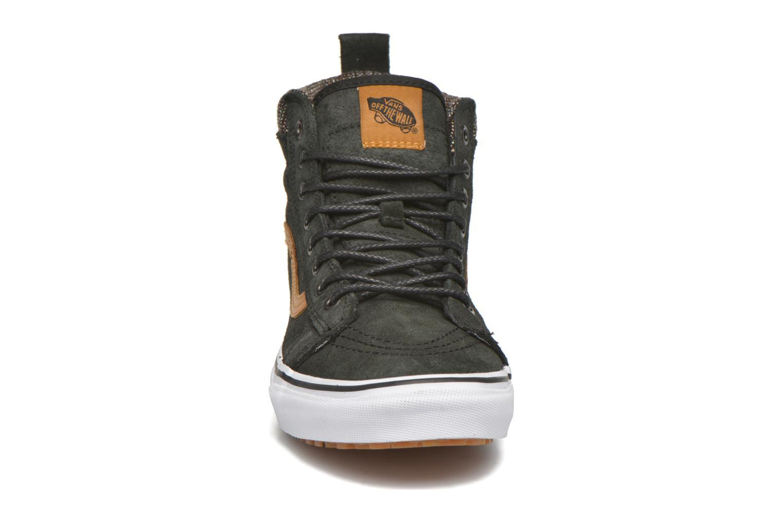Baskets Vans SK8-Hi MTE Noir vue portées chaussures
