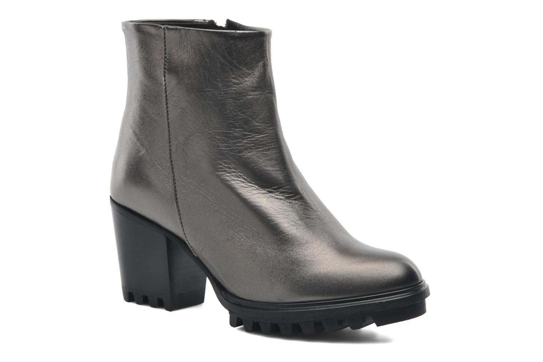 Roisin Metallic Leather