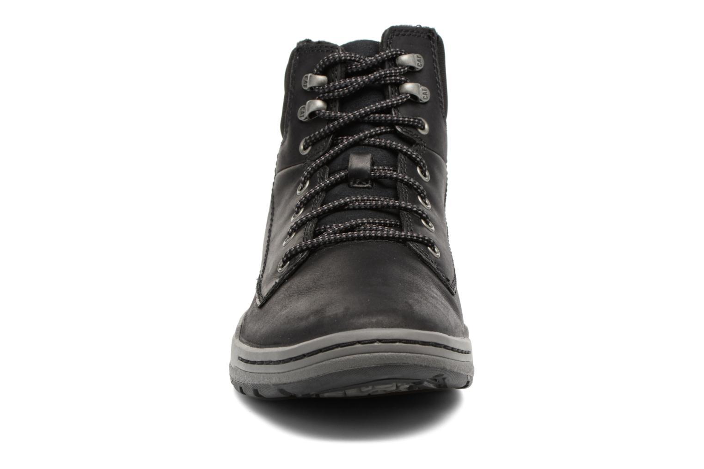 Baskets Caterpillar COLFAX MID Noir vue portées chaussures