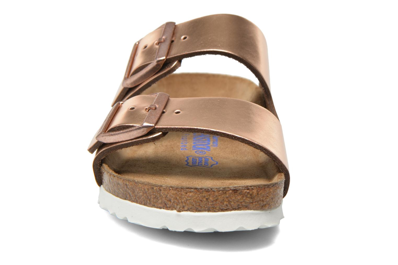 Mules et sabots Birkenstock Arizona Cuir W Rose vue portées chaussures