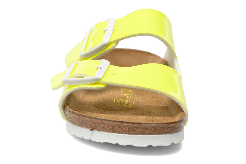 Mules et sabots Birkenstock Arizona Flor W Jaune vue portées chaussures