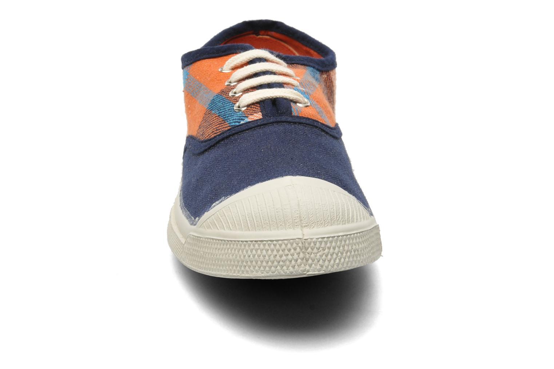 Baskets Bensimon Tennis Lacets Carreaux Doux Bleu vue portées chaussures