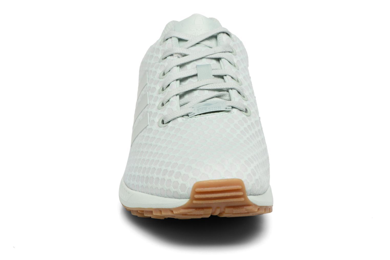 Baskets Adidas Originals Zx Flux Vert vue portées chaussures