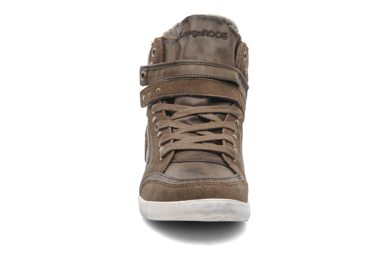 Baskets Kangaroos K-Basket 5005 Marron vue portées chaussures