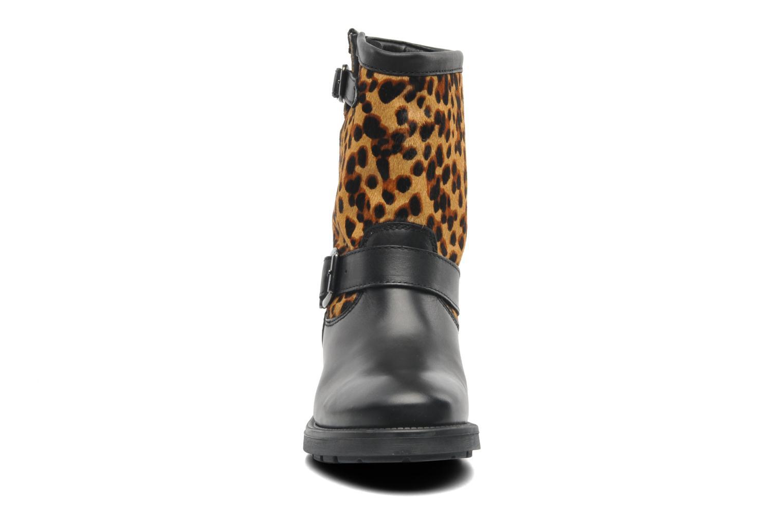Bottines et boots Guess Lolla Noir vue portées chaussures