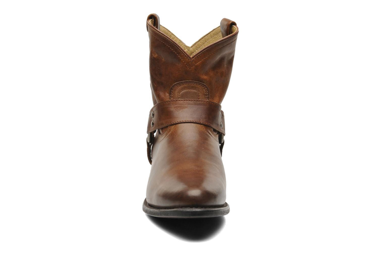 Bottines et boots Frye Wyatt Harness Short Marron vue portées chaussures