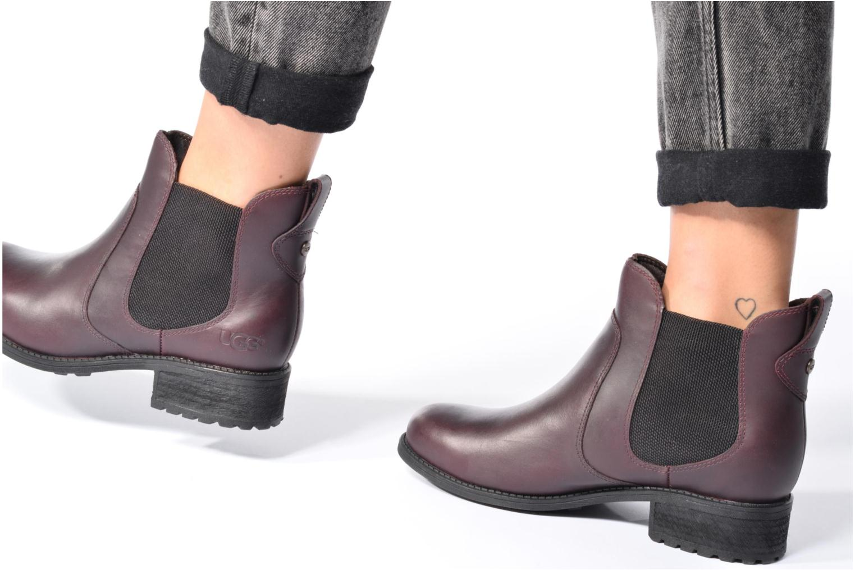 Bottines et boots UGG Bonham Marron vue bas / vue portée sac