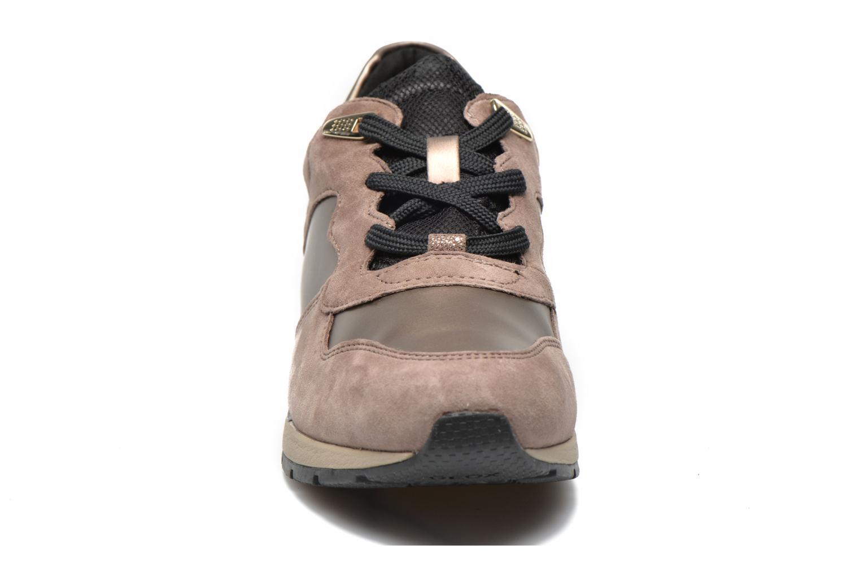 Baskets Geox D SHAHIRA A D44N1A Or et bronze vue portées chaussures
