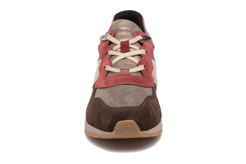 Sneakers Geox D SHAHIRA A D44N1A Multicolore modello indossato