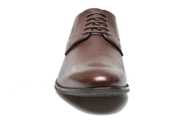 Chaussures à lacets Geox U ALBERT 2FIT F U44W3F Marron vue portées chaussures