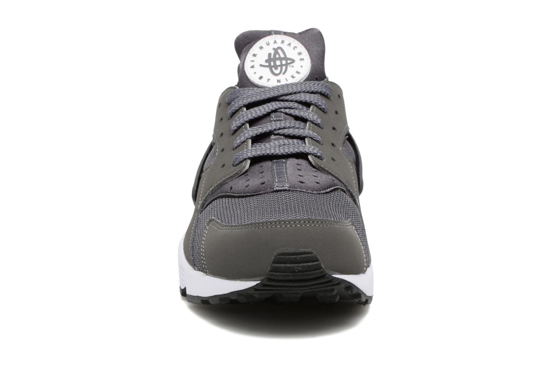 Sneaker Nike Nike Air Huarache grau schuhe getragen