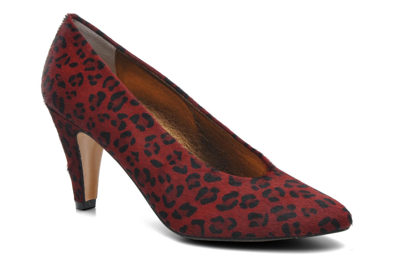 Elena pantera rouge et noir