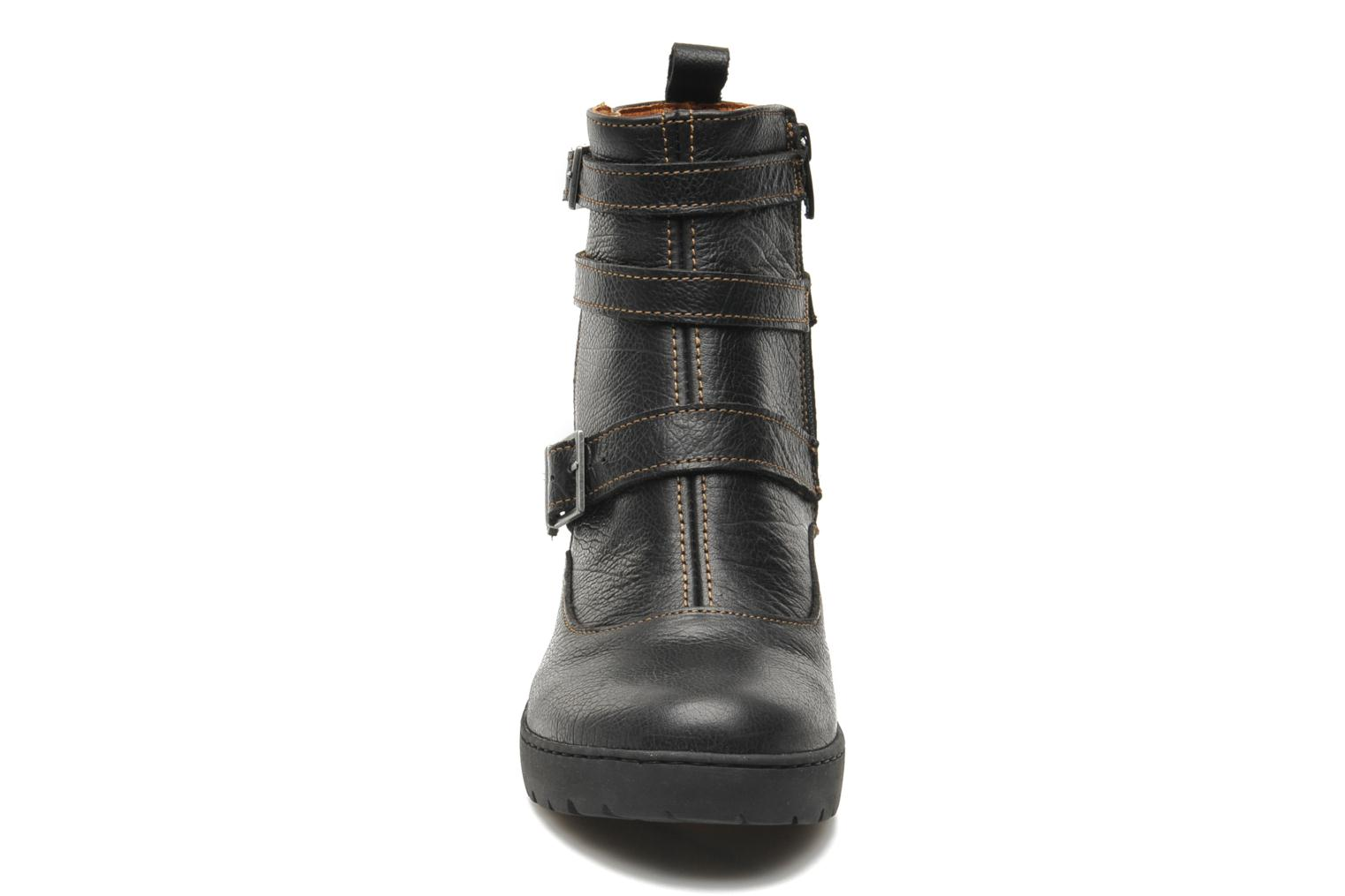 Ankle boots Art Travel 390 Black model view