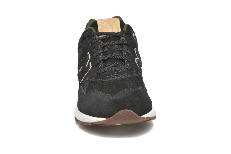 Baskets New Balance MRT580 Vert vue portées chaussures