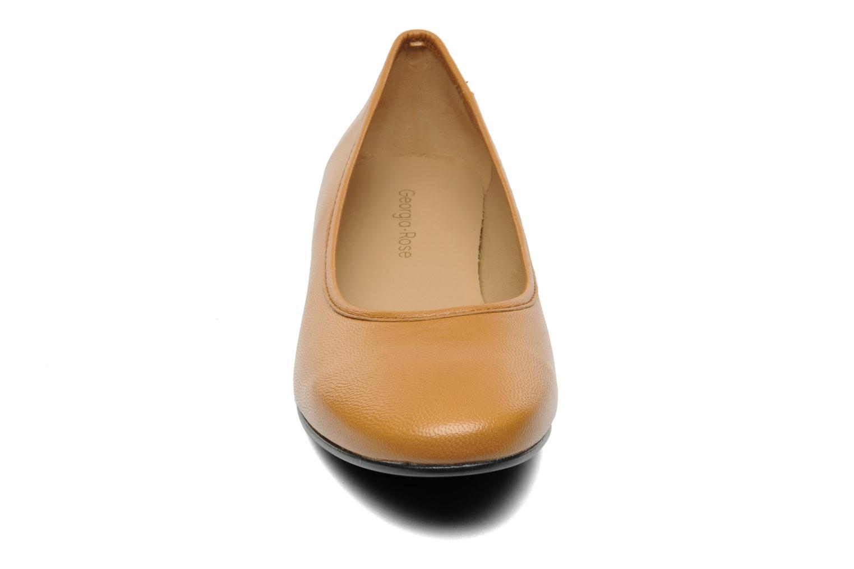 Ballerines Georgia Rose Zabou Marron vue portées chaussures