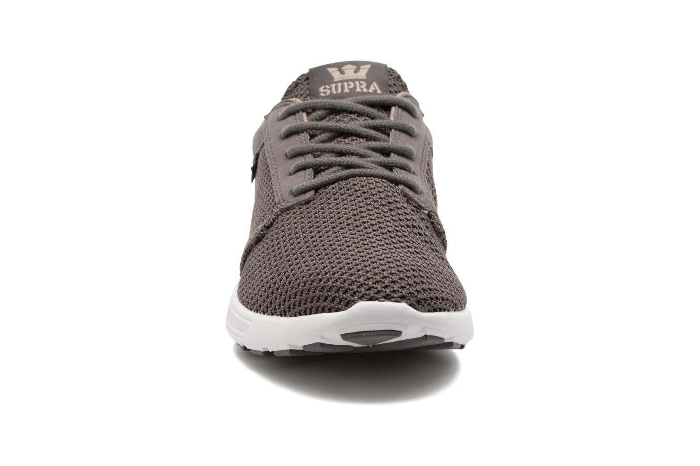Baskets Supra Hammer Run Marron vue portées chaussures