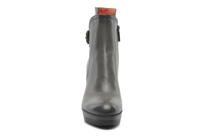 Bottines et boots Santoni Samantha 52511 Gris vue portées chaussures
