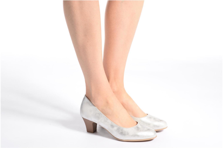 Escarpins Jana shoes Anis Argent vue bas / vue portée sac