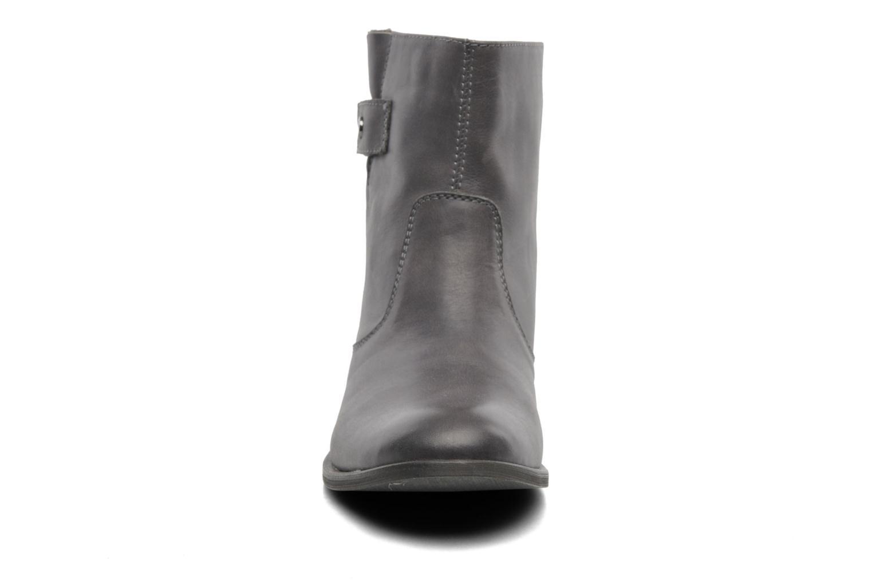 Stiefeletten & Boots JB MARTIN Cabaya grau schuhe getragen