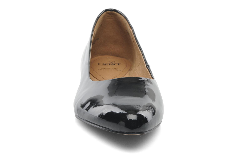 Ballerinas Caprice Vinyle schwarz schuhe getragen