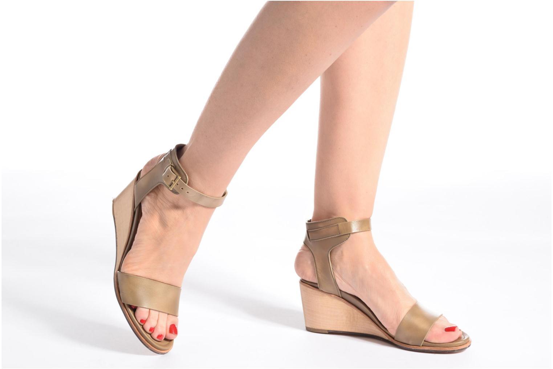Sandalen Neosens Noah 237 beige ansicht von unten / tasche getragen