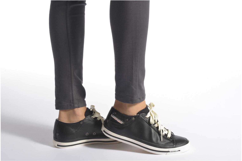 Sneaker Diesel Exposure IV Low W schwarz ansicht von unten / tasche getragen