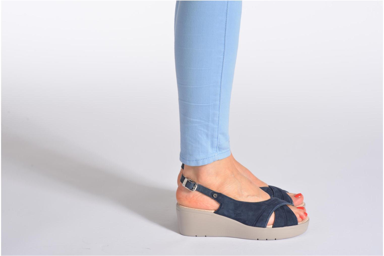 Sandalen Stonefly Tess 3 blau ansicht von unten / tasche getragen