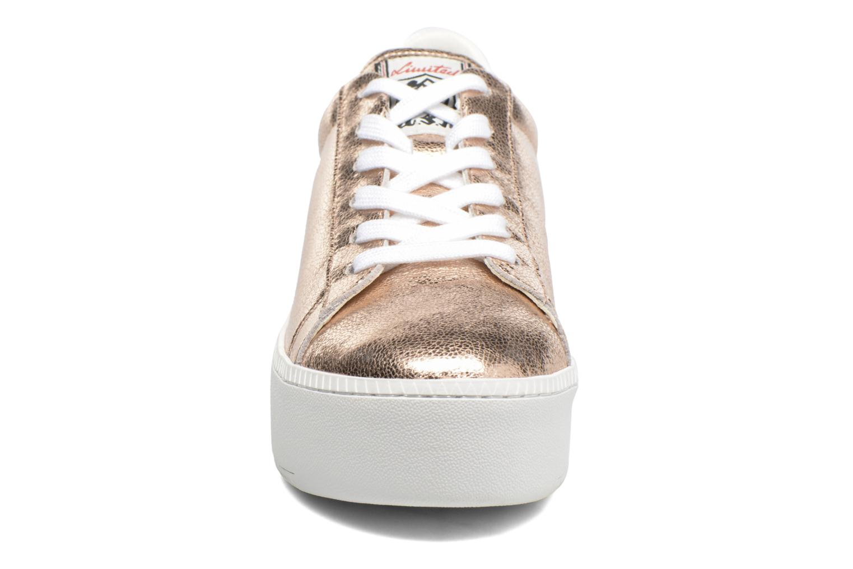 Baskets Ash Cult Or et bronze vue portées chaussures
