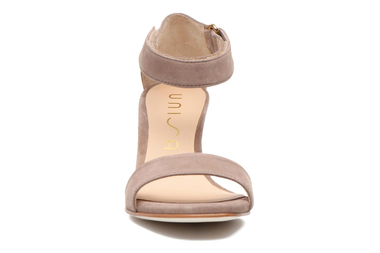 Sandalen Unisa Dulcea beige schuhe getragen