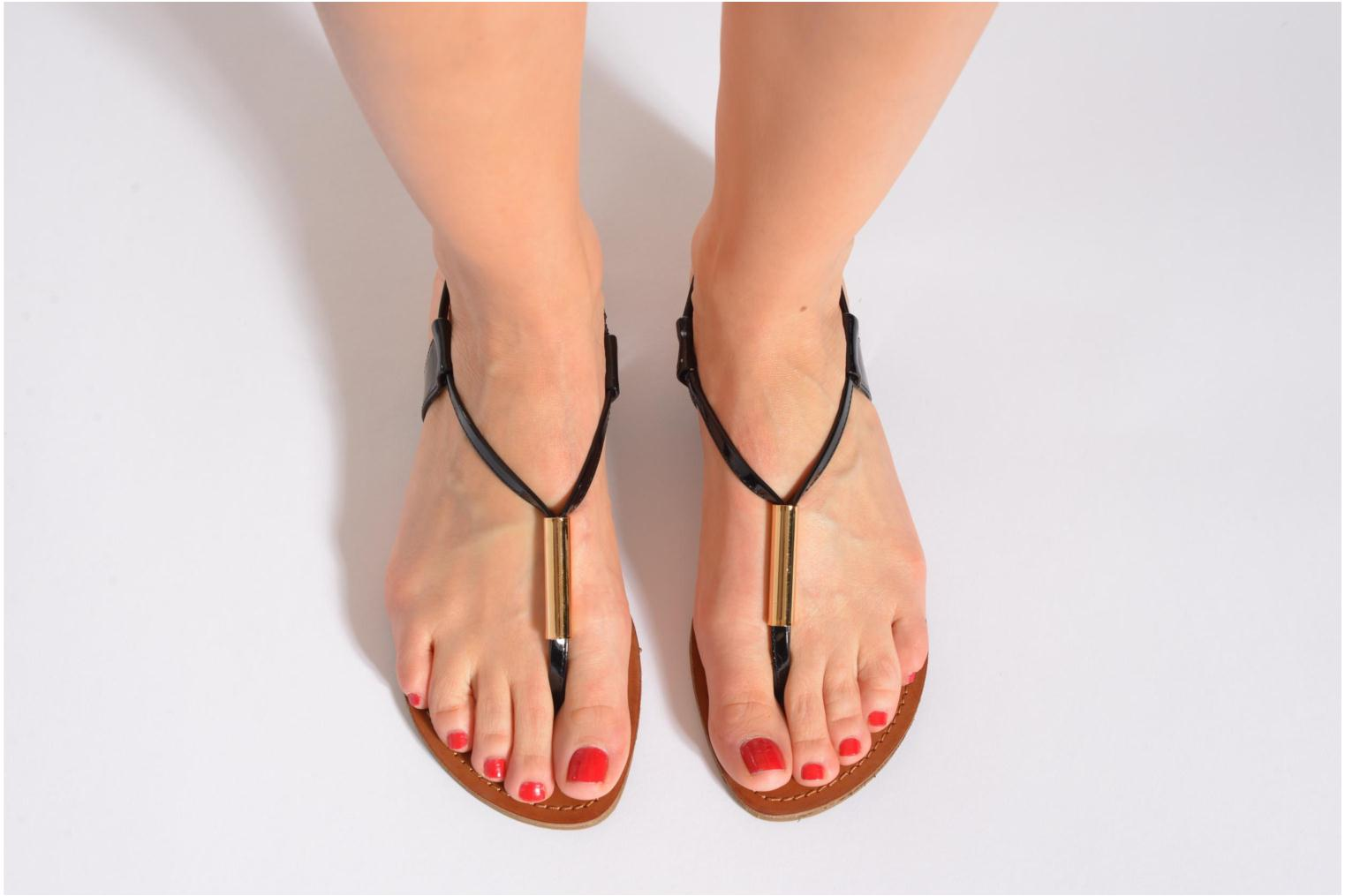Sandals Steve Madden Hamil Bronze and Gold view from underneath / model view