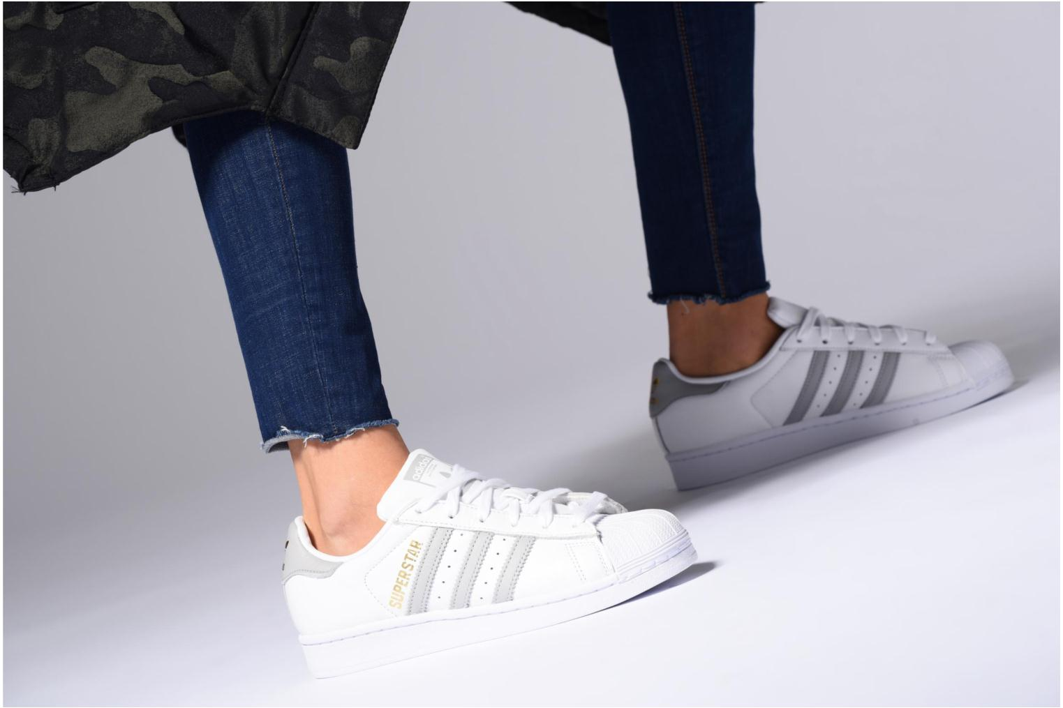 Trainers Adidas Originals Superstar W White view from underneath / model view