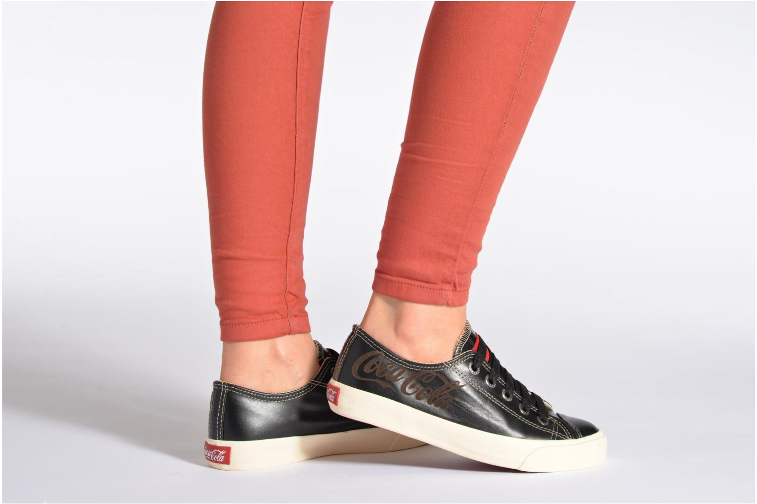 Trainers Coca-cola shoes Plain leather Low Bronze and Gold view from underneath / model view