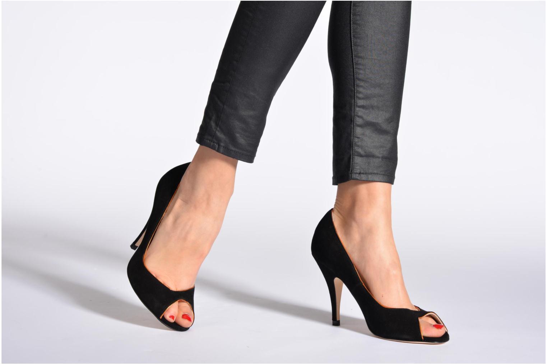High heels Terry de Havilland Chloe Blue view from underneath / model view