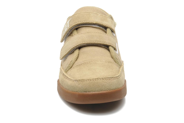 Baskets Caterpillar Free Agent Beige vue portées chaussures