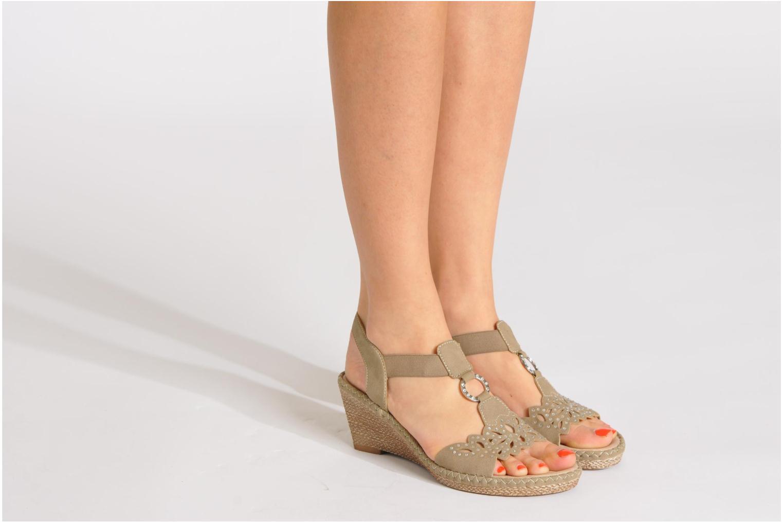 Sandalen Remonte Pipo D6756 beige ansicht von unten / tasche getragen