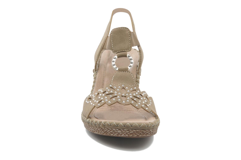 Sandalen Remonte Pipo D6756 beige schuhe getragen