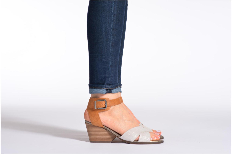 Sandalen Karston Tobic grau ansicht von unten / tasche getragen