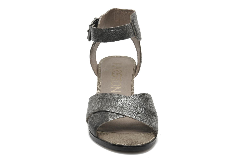 Sandalen Karston Tobic grau schuhe getragen