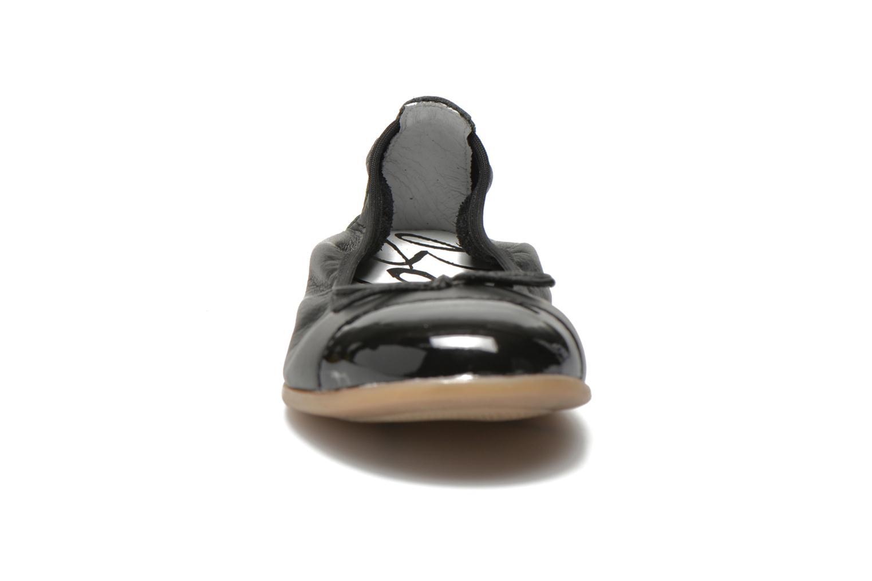 Ballerinaer Bopy SOLFEGE Sort se skoene på