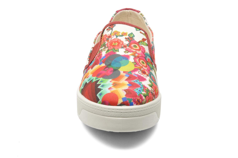 Sneakers Desigual Camilla Multicolore modello indossato