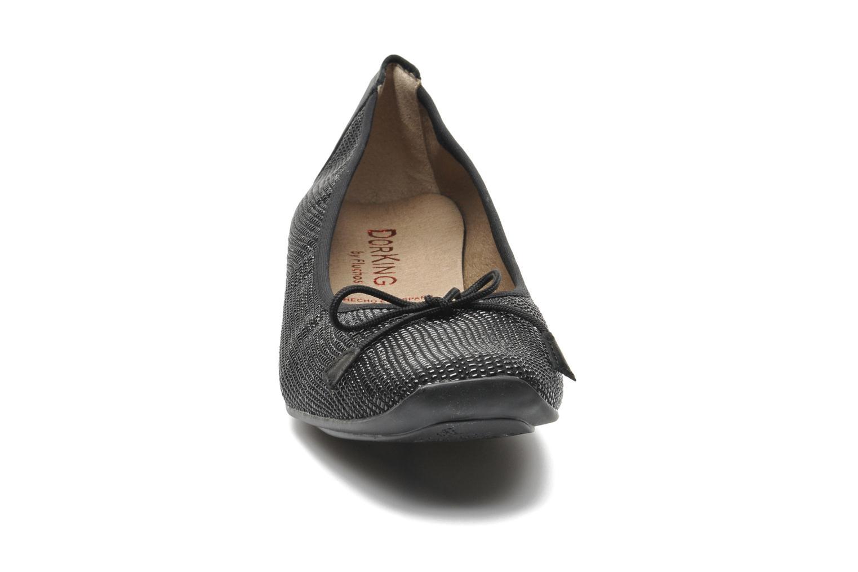 Ballerines Dorking Ivon 6202 Noir vue portées chaussures