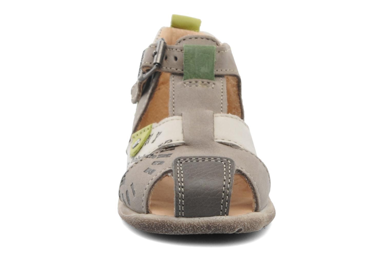 Sandalen Babybotte Gregor grau schuhe getragen