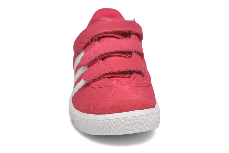 Baskets Adidas Originals GAZELLE 2 CF C Rose vue portées chaussures