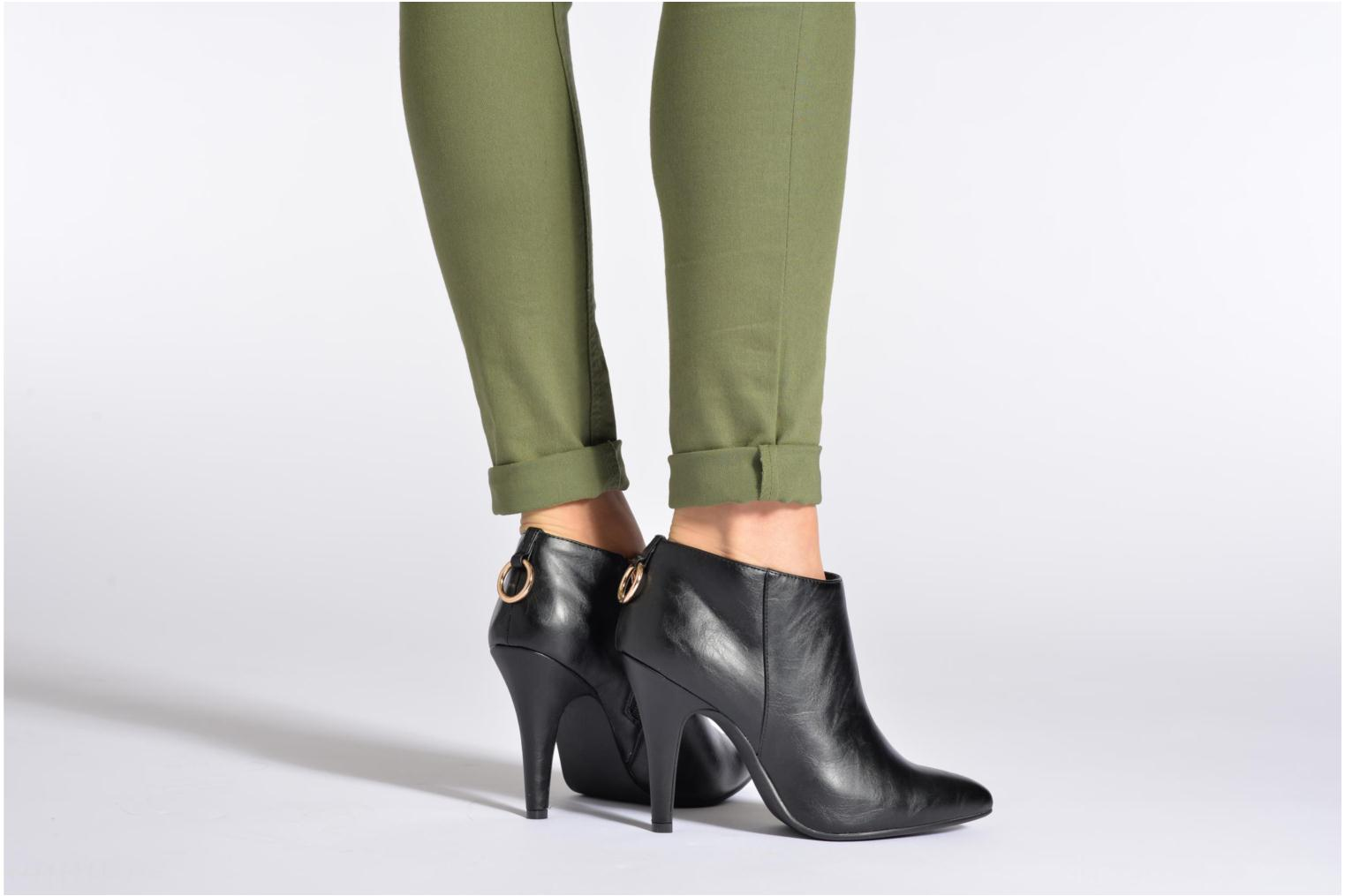 Ankle boots Divine Factory Algebar Black view from underneath / model view