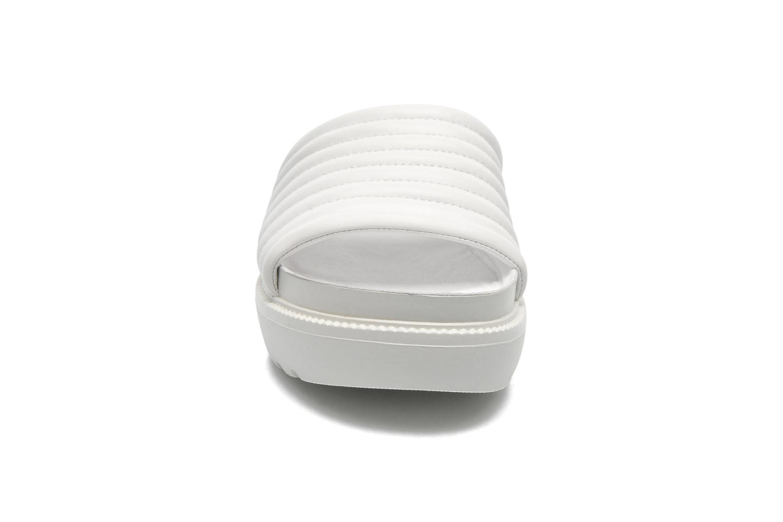 Mules et sabots Vagabond IRENE 3934-201 Blanc vue portées chaussures