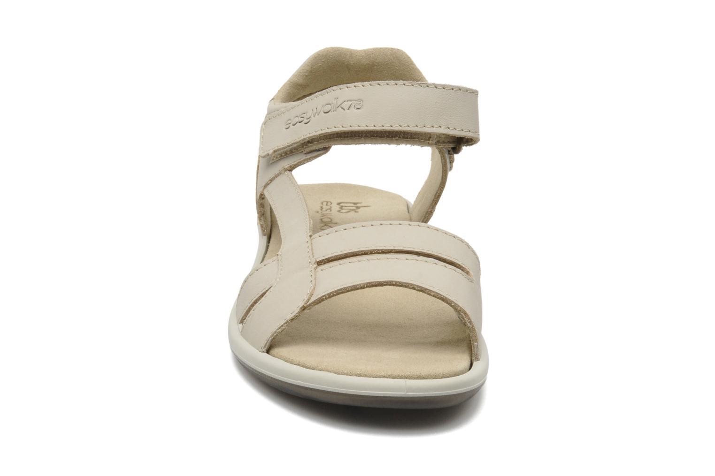 Sandales et nu-pieds TBS Easy Walk Hamacs Beige vue portées chaussures