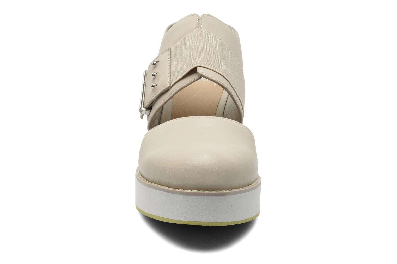 Sandalen Shellys London Costain beige schuhe getragen