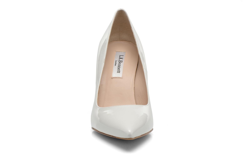 Escarpins L.K. Bennett Fern Blanc vue portées chaussures